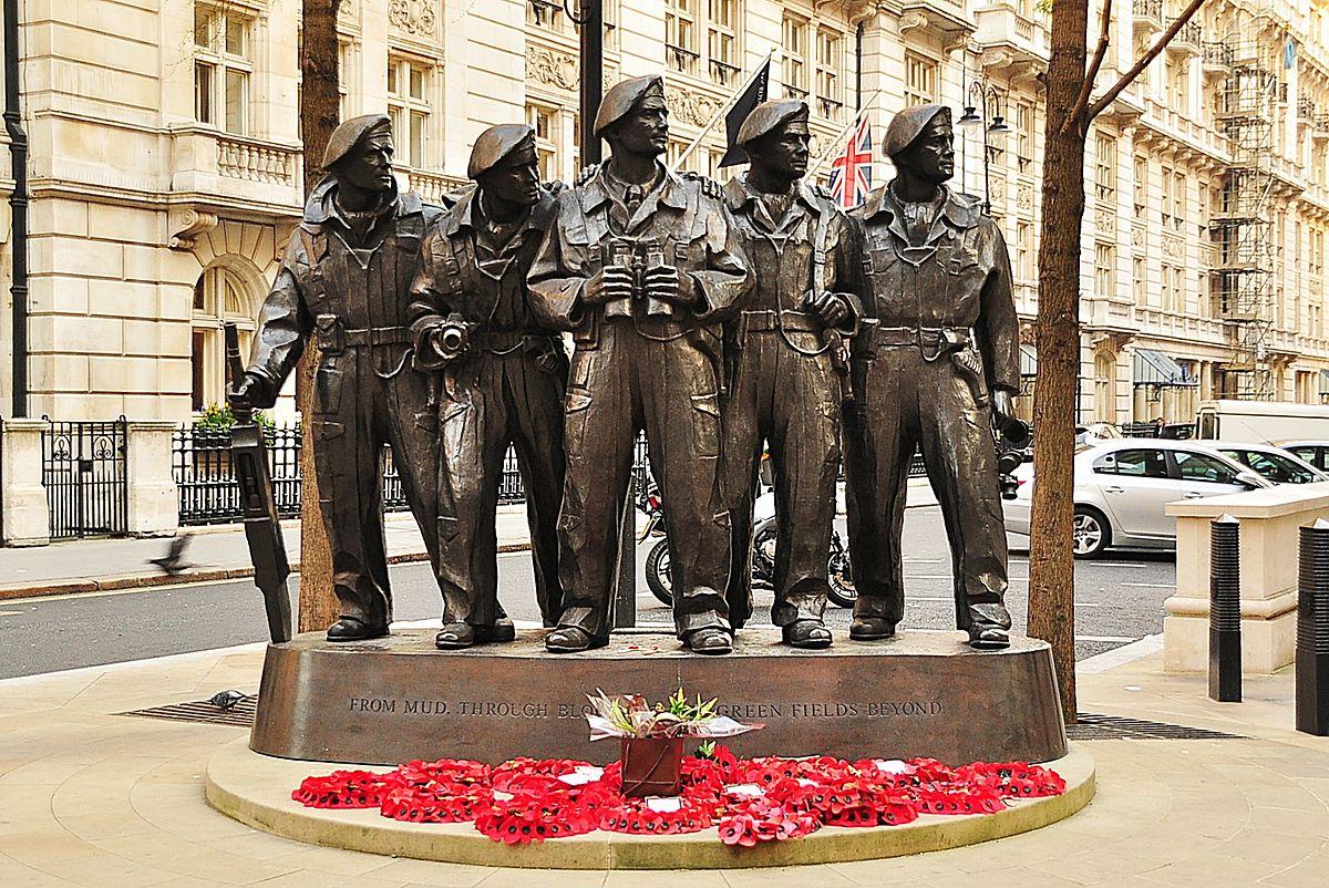 1200px-Royal_Tank_Regiment_Memorial,_Whitehall_Place,_London.jpg
